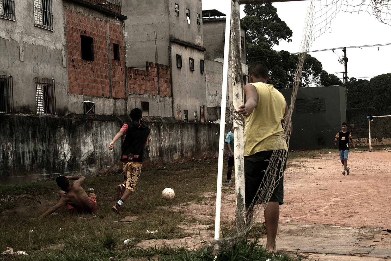 http://omenelick2ato.com/files/gimgs/305_futebol-helipa.jpg