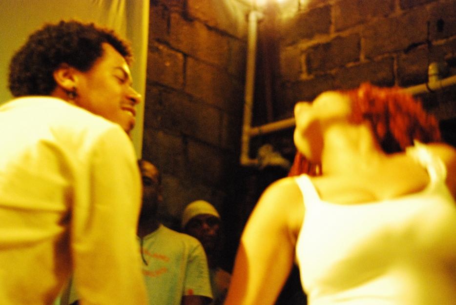 http://omenelick2ato.com/files/gimgs/56_capulanas-foto-cassimano.jpg